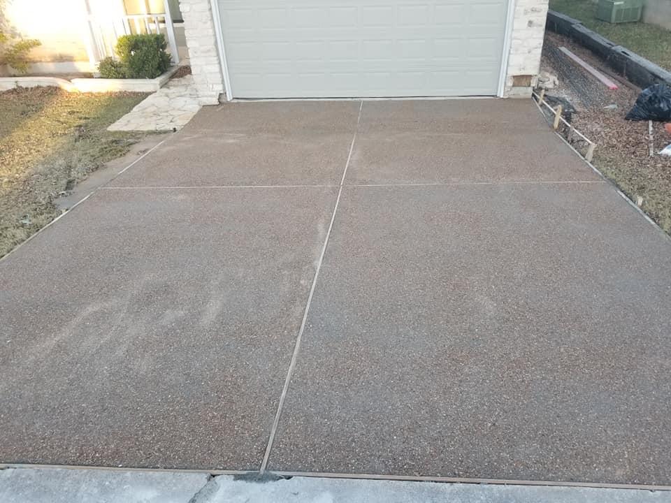 Concrete-Driveway-Round-Rock